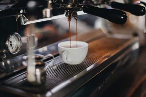 Read more about the article Your Love for Coffee is Staining your Teeth.